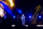 stage--gold light-blue